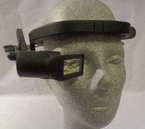 AR Datenbrille am Kopfband montiert